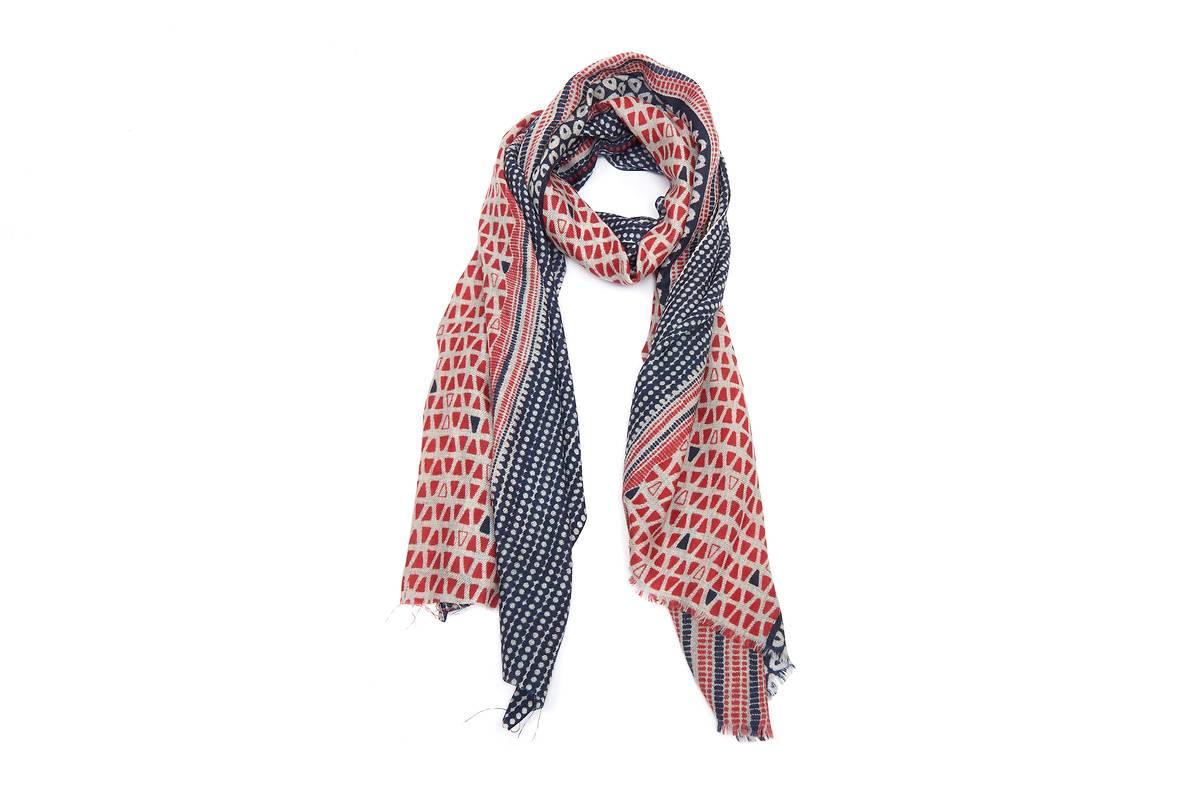 Foulard 100% laine bleu rouge motifs géometriques 6389f26a6d4