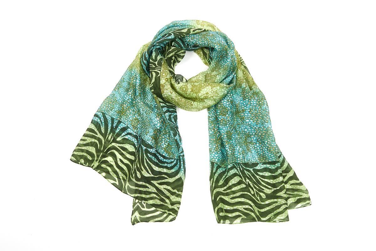 Foulard 100% soie tons vert motif zebre fce42937ac0